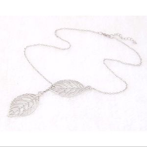 Jewelry - Silver Double Leaf Slider Necklace